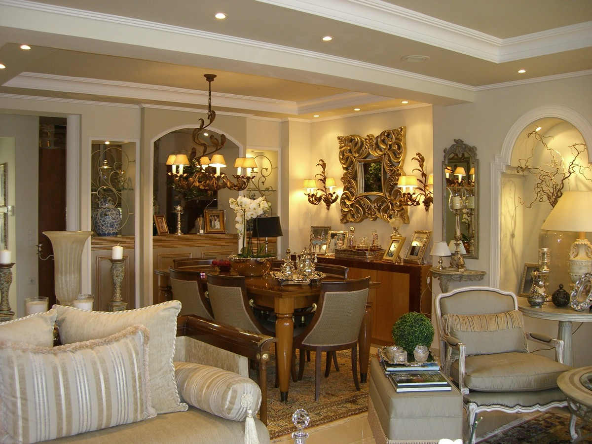 DINING ROOM IN DECORATION
